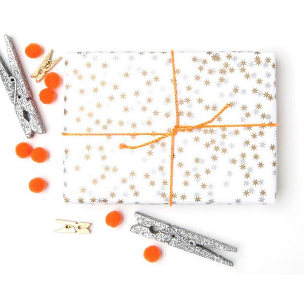 Holiday-Gift-Wrap-Metallic-Starfetti-Fig-2.jpg
