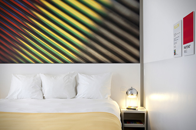 The-Pantone-Hotel-4.jpg
