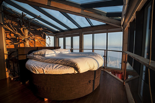 Eagles-View-Suite-at-the-Iso-Syote-Hotel-Finland-2.jpg