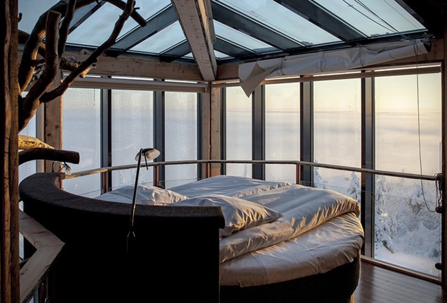 Eagles-View-Suite-at-the-Iso-Syote-Hotel-Finland-6.jpg