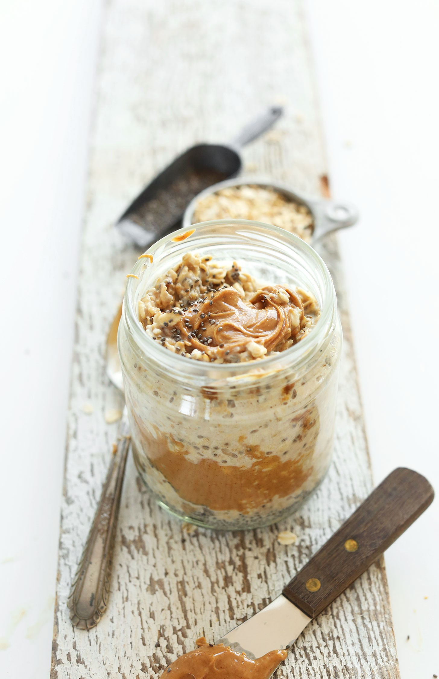 SIMPLE-AMAZING-Peanut-Butter-Overnight-Oats-Just-5-ingredients-5-minutes-prep-and-SO-delicious-vegan-recipe-glutenfree-meal-breakfast-oats-oatmeal.jpg