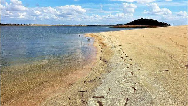 praia-fluvial-monsaraz.jpg