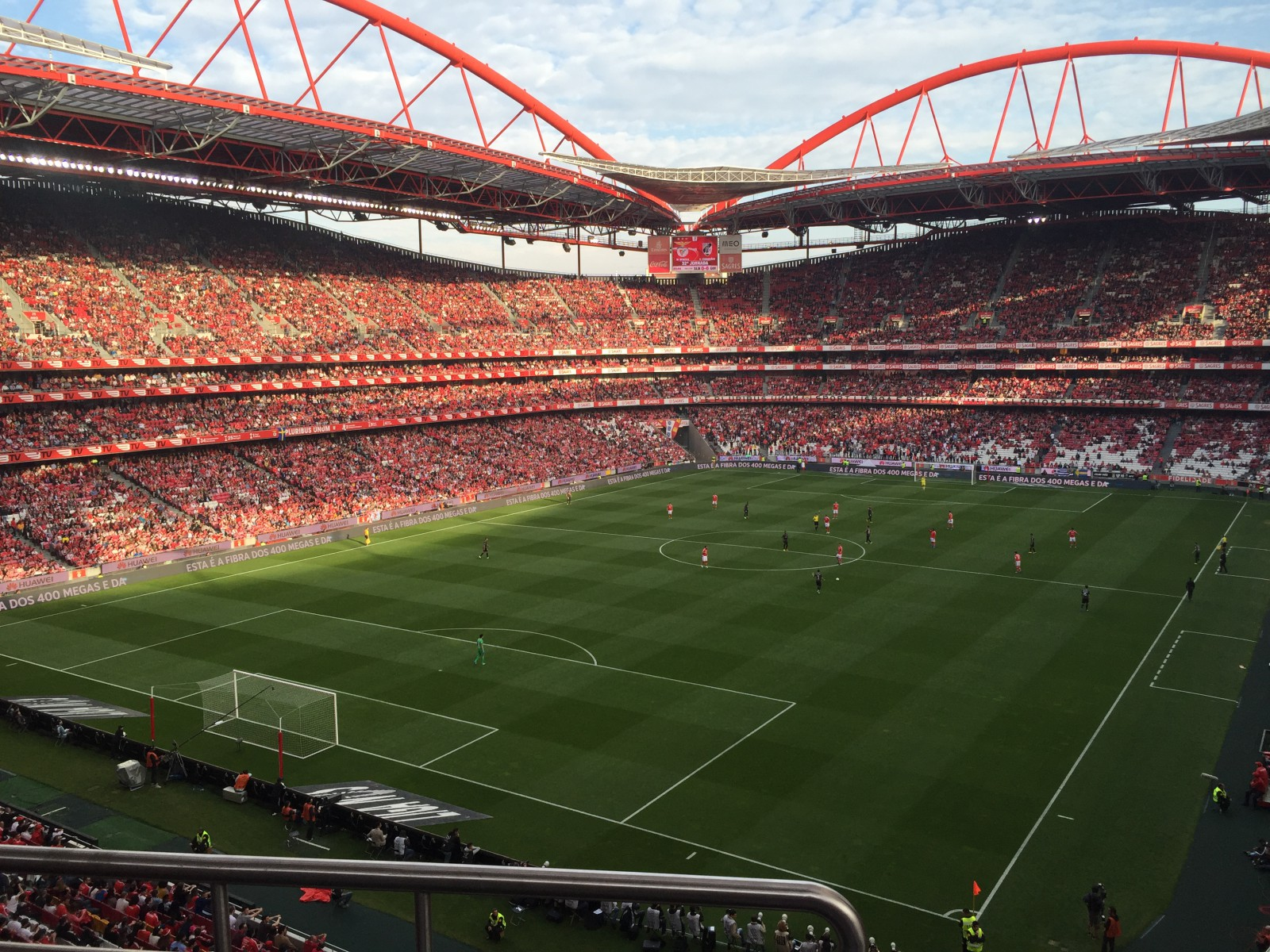 estadio da luz.jpg