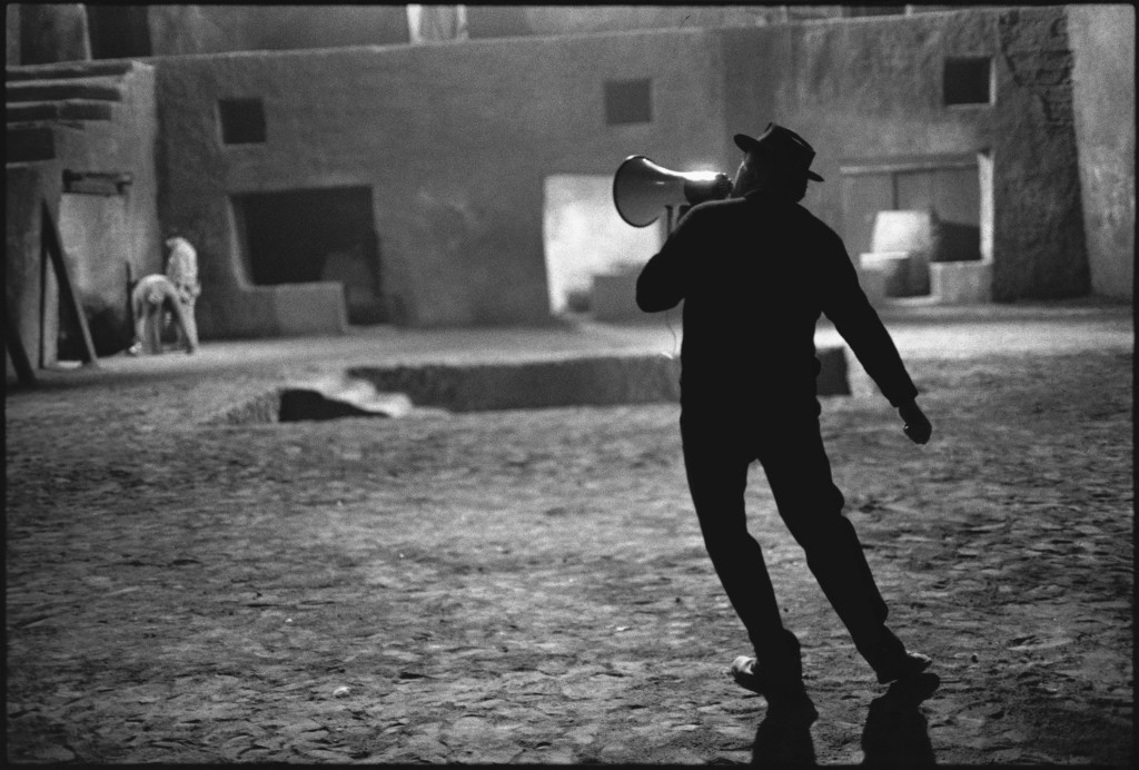 Federico Fellini on the set of Satyricon, phorographed by Mary Ellen Mark, 1969.jpg
