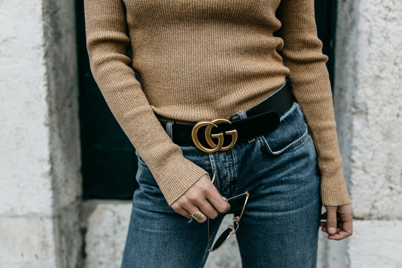 Metallic_Sweater-Cameo_The_Label-Melie-Lisboa-Denim-Topshop-Gucci_Belt-Saint_Laurent_Sneakers-Outfit-Street_Style-69-1400x933 (2).jpg