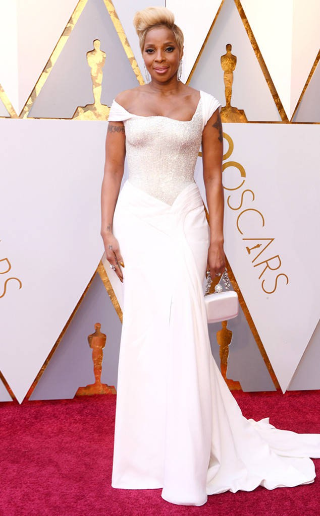 rs_634x1024-180304155023-634-2018-oscars-academy-awards-mary-j-blige.jpg