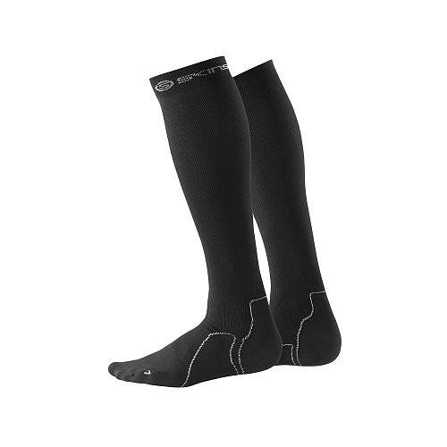 skins_essentials-compression-socks-recovery_s_black_main.jpg