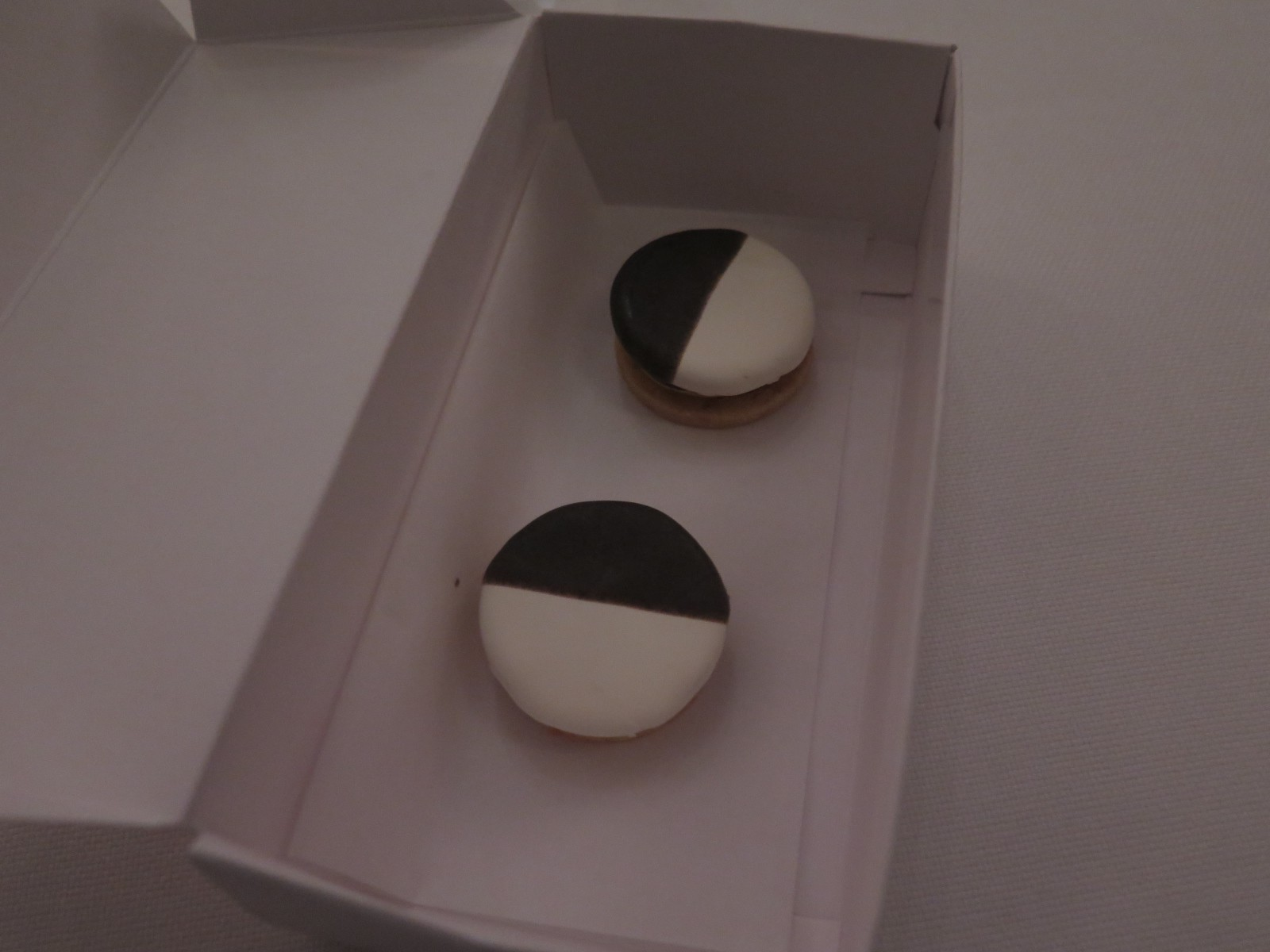BLACK AND WHITE – Savory Cookie with Apple and Cheddar