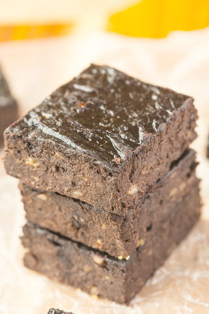 three-ingredient-flourless-brownies-3.jpg