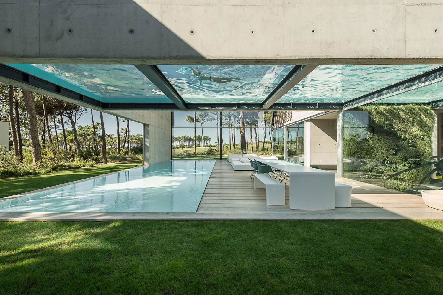 The-Wall-House-on-Portuguese-Riviera-by-Guedes-Cruz-Arquitectos-Yellowtrace-05.jpg