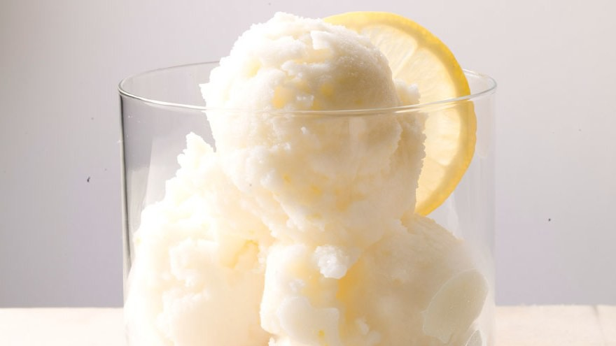 lemon-ginger-frozen-yogurt.jpg