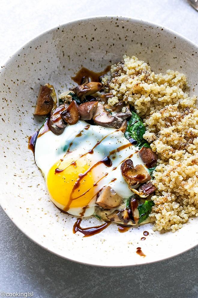 spinach-mushroom-breakfast-bowl-1-1.jpg