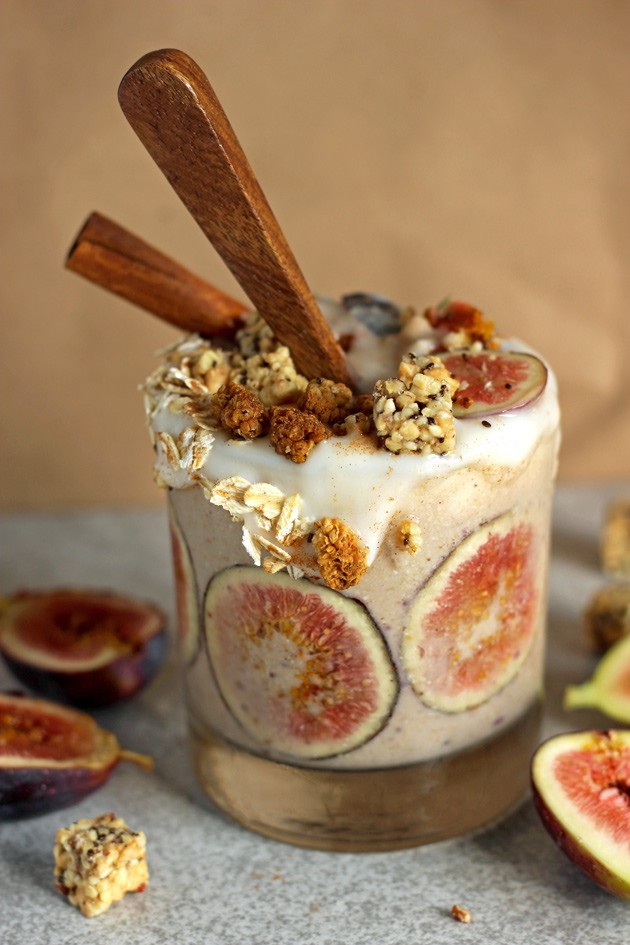Creamy-Fig-and-Cinnamon-Fall-Smoothie5.jpg