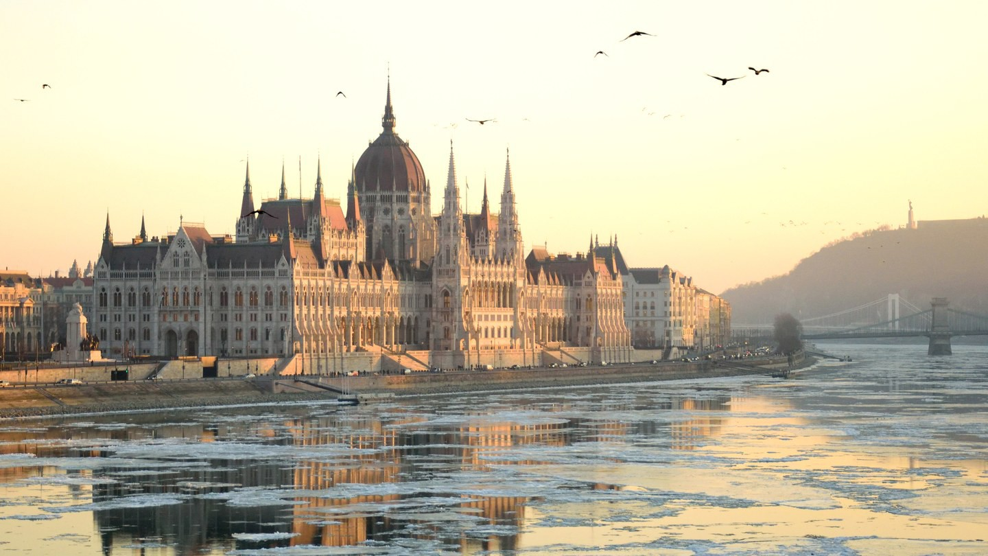 Hungarian-Parliament-Building-GettyImages-640637196 (1).jpg