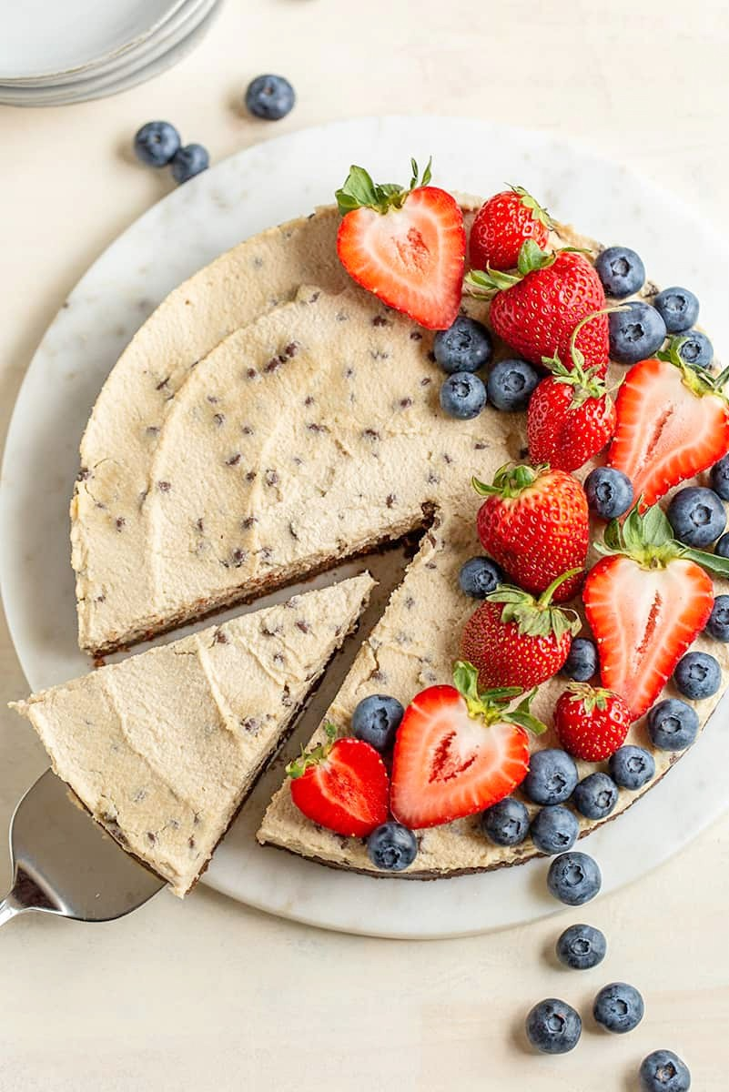 paleo-vegan-chocolate-chip-cheesecake-with-cocoa-crust.jpg