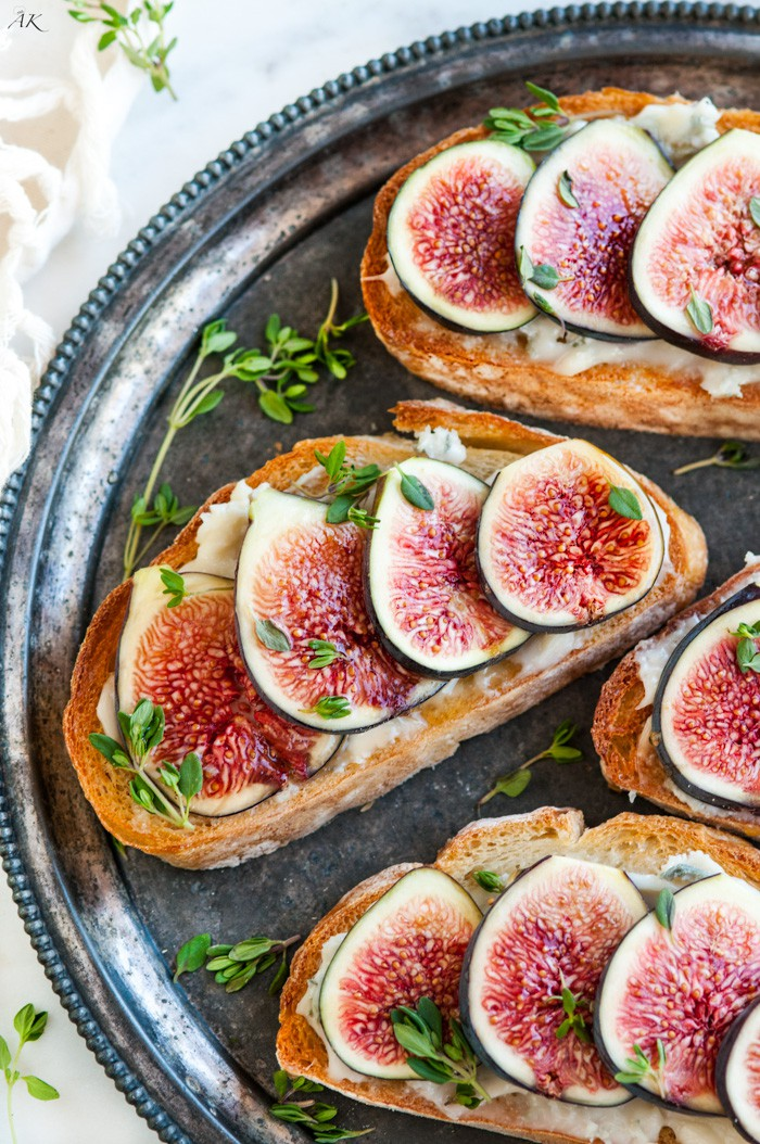 Fig-Gorgonzola-Bruschetta-3.jpg