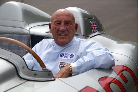 sir-stirling-moss-at-the-wheel-of-the-300-slr_100520929_l.jpg