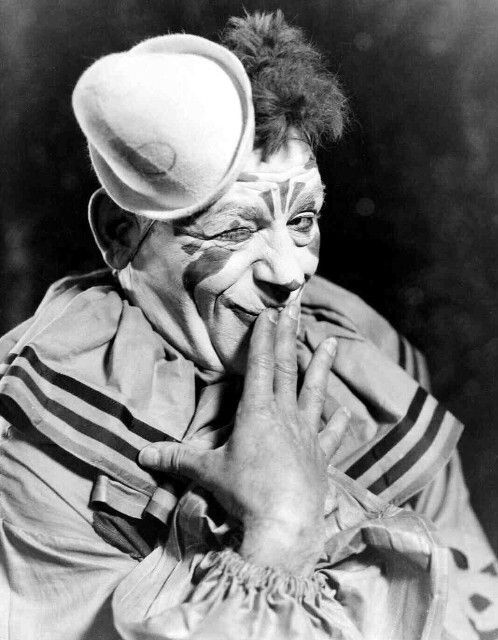Lon Chaney Laugh, Clown, Laugh 1928.jpg