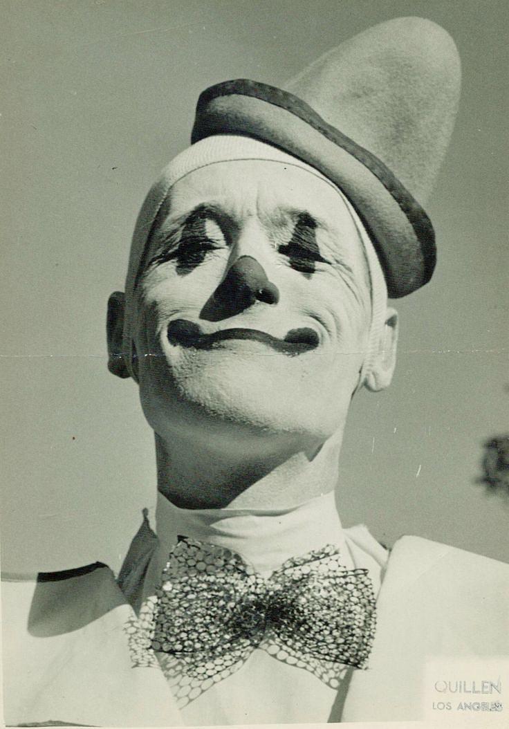 white-makeup-clown.jpg