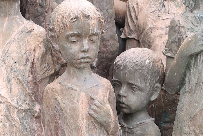7 sculptures-children-of-lidice-czechoslovakia-czech-republic.jpg