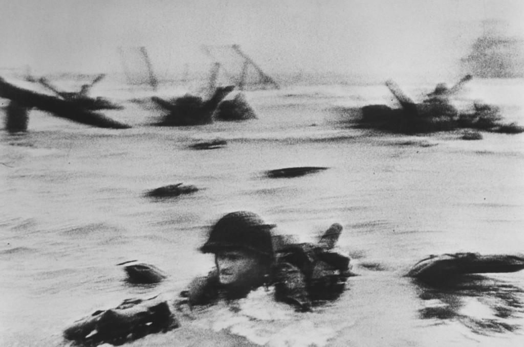 American troops landing on Omaha Beach, D-Day. Normandy. France. June 6th, 1944. © Robert Capa.jpg