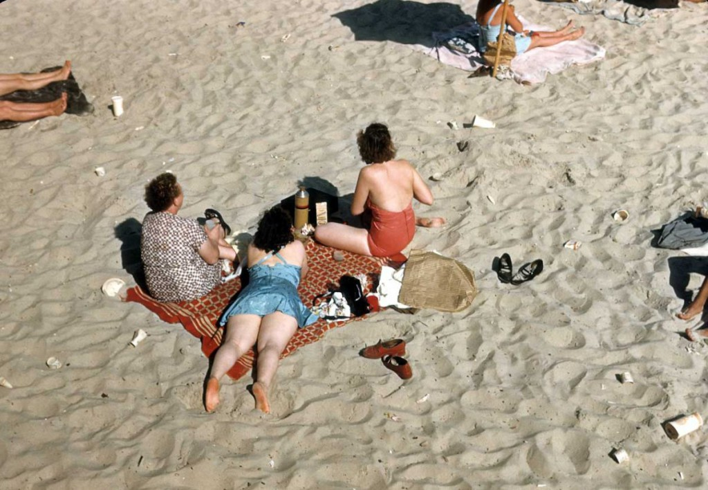 Coney-Island-1948-color-beach.jpg