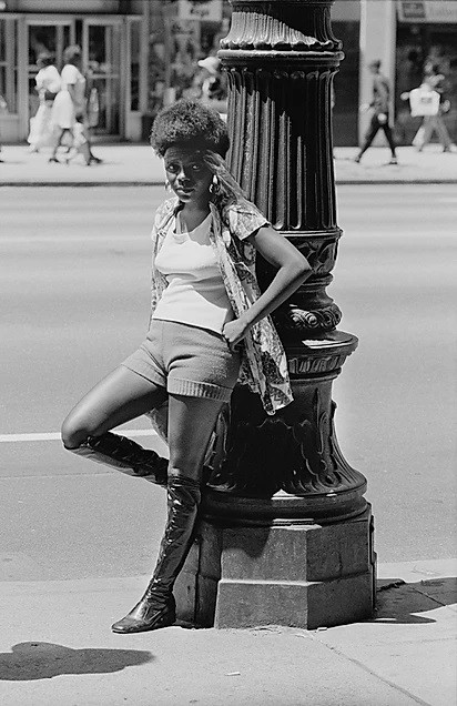 Young woman at lamp post, Woodward Ave, 1960 Bill Rauhauser.jpg