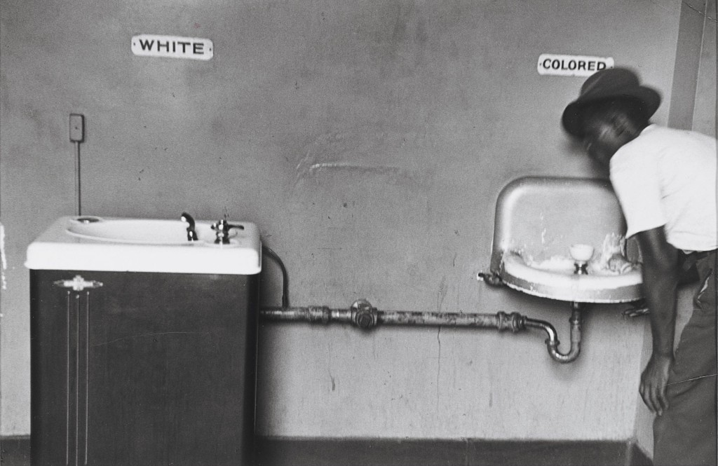 elliott_erwitt_segregated_water_fountains_north_carolina_1950.jpg