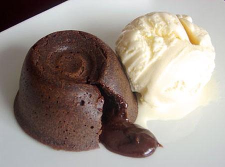 505827-petit-gateau-chocolate.jpg