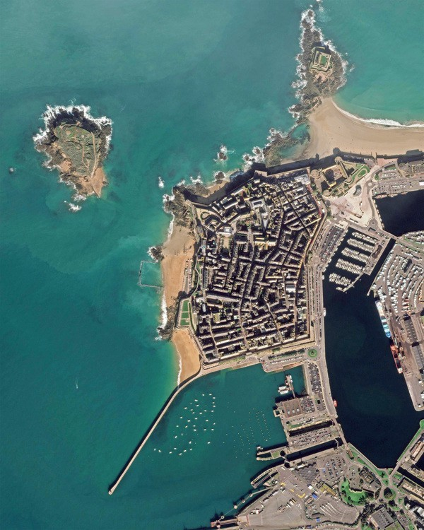 Saint_Malo_reduced.jpg
