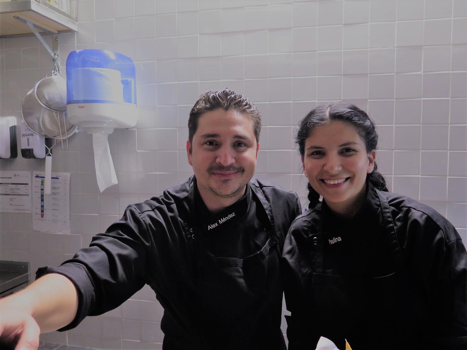 Chefs Alex Méndez e Paulina Orellana, no primeiro DURO DE MATAR