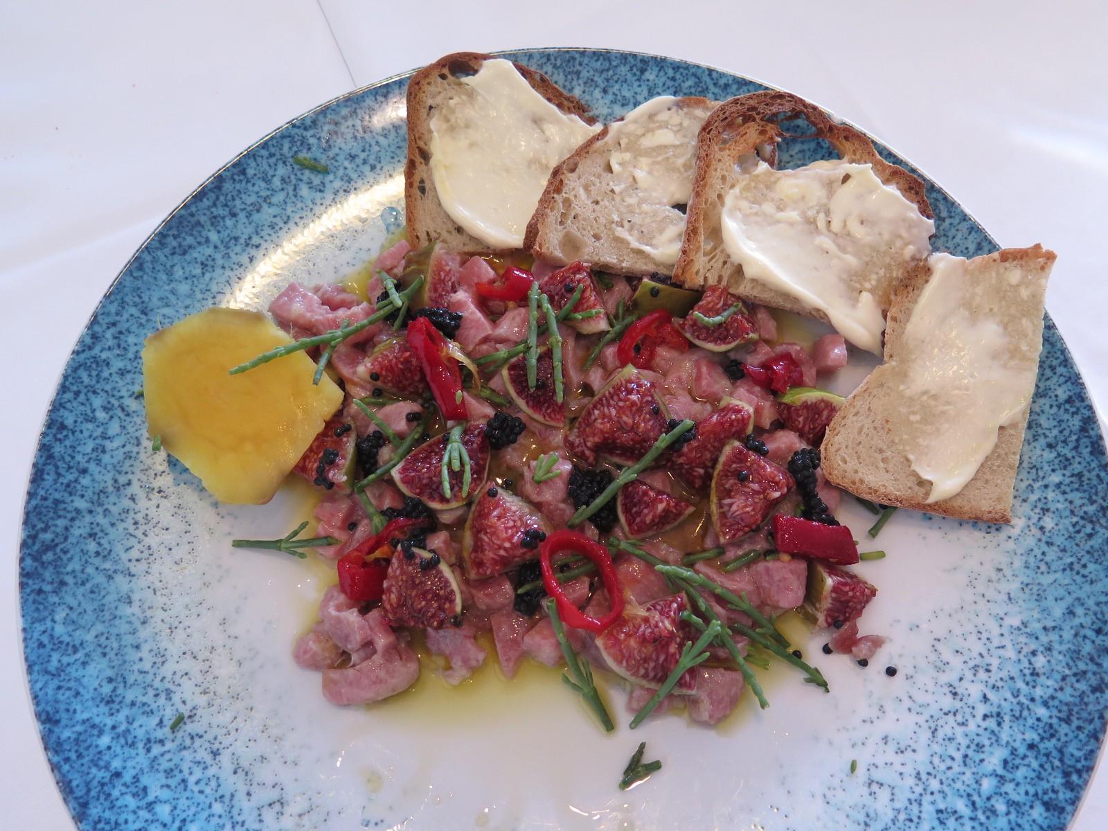 Ceviche de barriga de atum rabilho, com figos